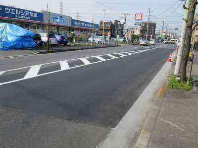 道路の凸凹を修理