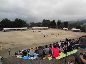 DSC05896鶴見小運動会・08扇山夏祭り・高速草刈り鶴見小前側溝危険 (43)