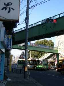 ジャスコ前の歩道橋の電柱を移設しました。
