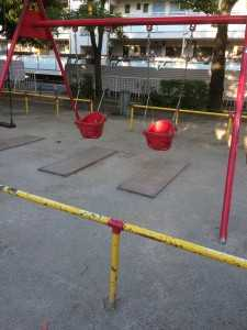 平井4丁目児童遊園幼児用ブランコ