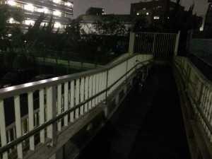 平井7スーパー堤防連絡階段(照明設置前②)