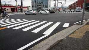 和白交差点の道路補修