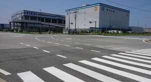 香椎照葉右折誘導道路標示