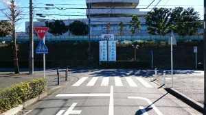 総合病院信号柱立つ20161228 (4)