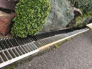 U字溝の中は、泥が綺麗に撤去されて管理されています。