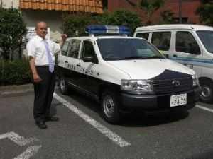 青色パトカーの導入で、安心・安全のまちづくり(平成19年導入)