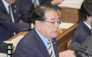 質問する石田政調会長=1日 衆院予算委