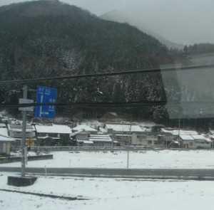 伯備線の車中からの雪景色