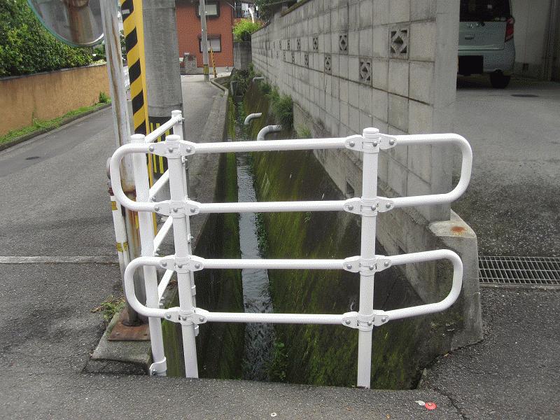 【浮穴26号線】水路GP設置