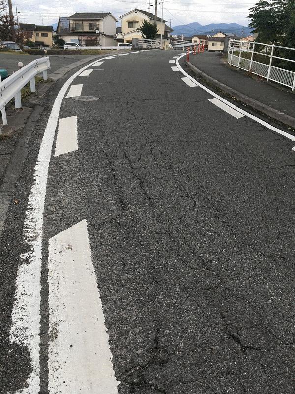 【石井338号線】に安全対策の路面標示