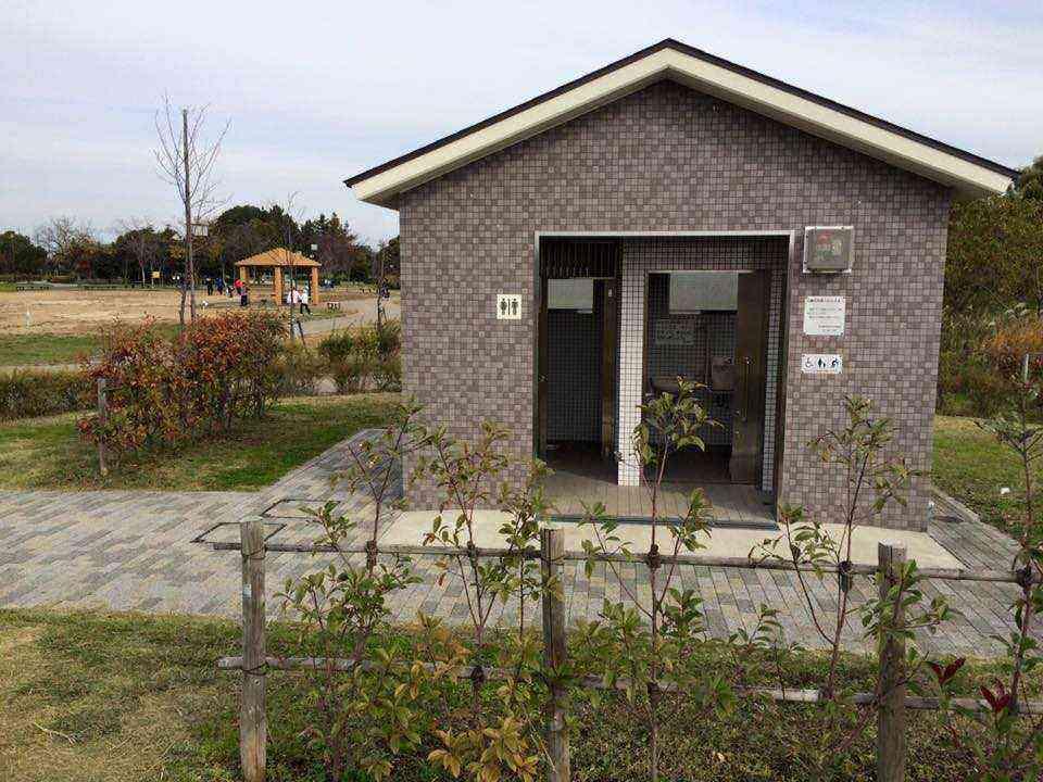 H27 11 29 富田公園の障がい者用トイレのカギが破損