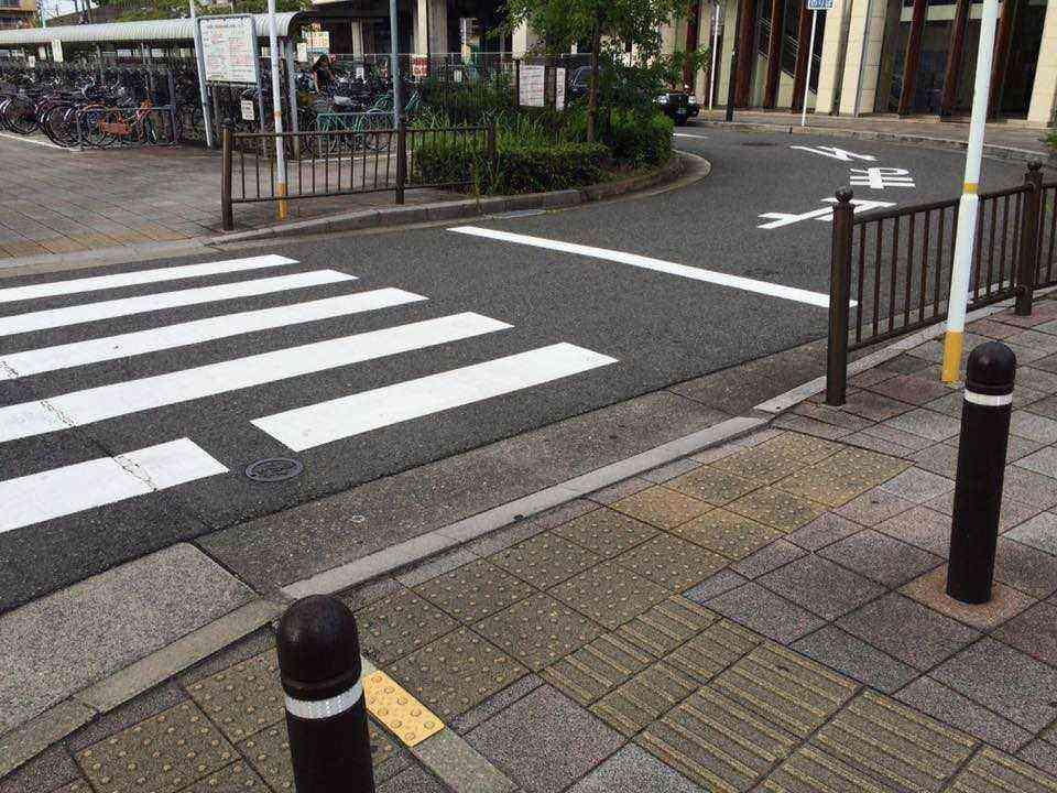 中島駅前8