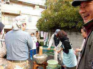 芳野町餅つき