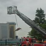 はしご車のよる水難救助活動