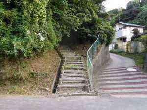 やまびこ公園横の階段