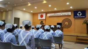 看護学校卒業式1