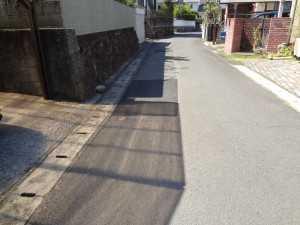 DSC04229扇山古賀口団地横道路の穴 補修完成(6)