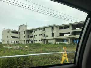 震災直後の気仙中学校の周り