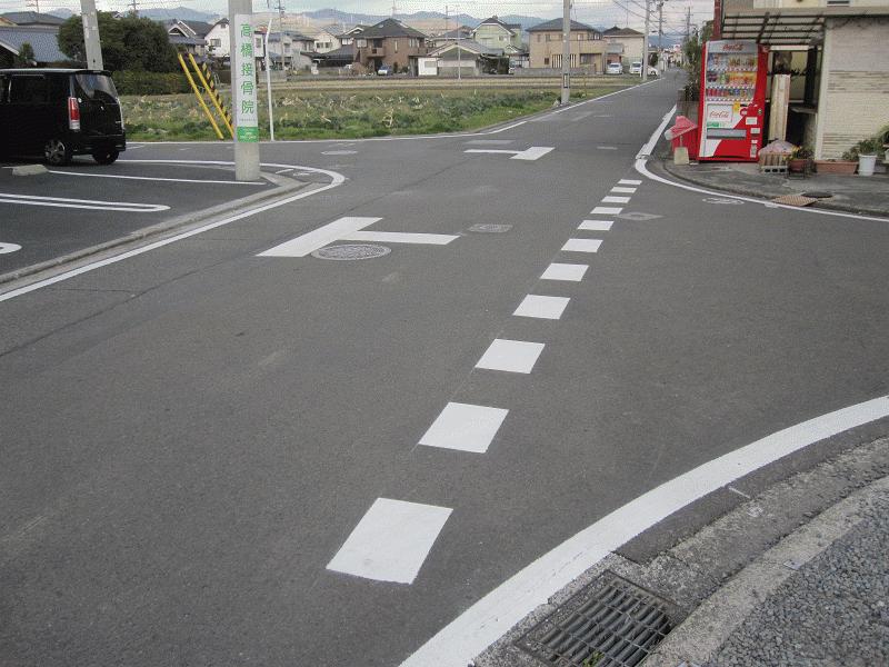 【石井73号線】美容室前の連続するT字路