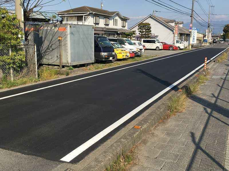 【市道 浮穴12号線】中野本舗東側を舗装し直し