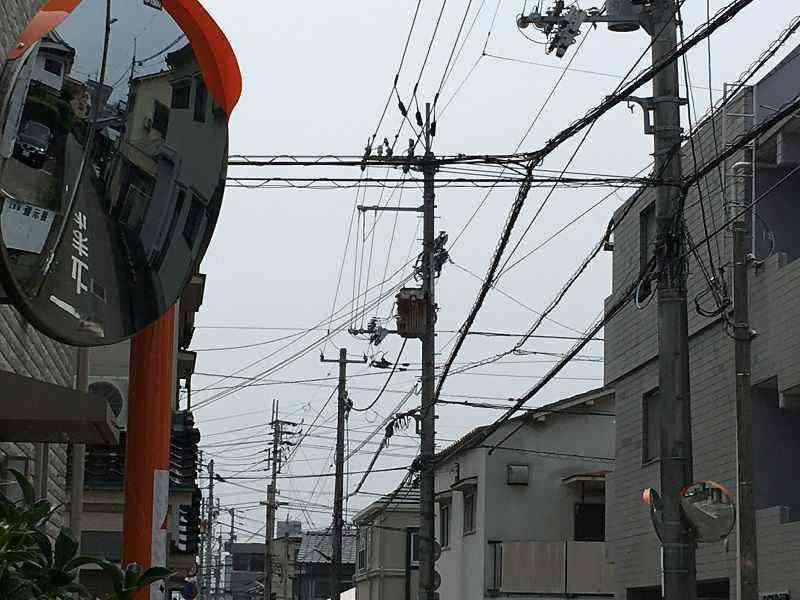 【素鵞40号線】まなぶ塾(中村4-3-36)前にカーブミラー設置
