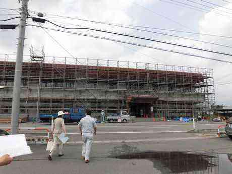 外壁工事中の神代就業改善センター