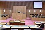 鈴鹿市議会議場-2