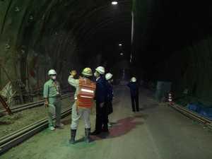 トンネル内部1601