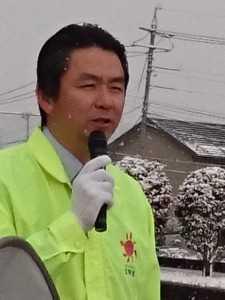 真冬の街頭演説。ひたすら修行です。