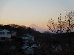 アーデンヒルから見た富士山と夕陽