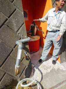 井戸は住民有志が自ら掃除して生活用水として使えるようになりました。