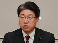 都の方針を評価する東村幹事長=16日 都庁