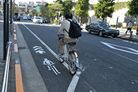 車道に設けられた自転車専用通行帯