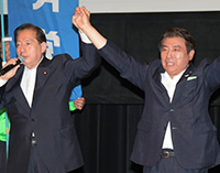 中山信行都議への支援を訴える太田議長=同 足立区