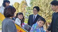 子育て支援策の強化に挑む決意を語る国重氏