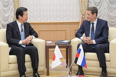 Yamaguchi met with First Deputy Chairman of the State Duma Aleksandr Zhukov in Tokyo on Dec. 20