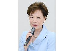 議連の総会であいさつする松さん=6日 参院議員会館