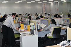 「法テラス・サポートダイヤル」の様子。2011年4月から仙台市に