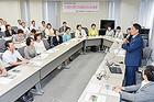 胃がん撲滅への戦略を語る浅香教授=21日 関西公明会館