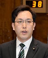 質問する杉久武氏=31日 参院決算委