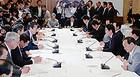 終盤国会の対応などを協議した政府・与党連絡会議=12日 首相官邸
