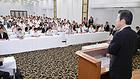 党埼玉県本部の夏季議員研修会であいさつする山口代表=10日 埼玉・熊谷市