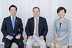 生活困窮者の自立支援をめぐり語り合った山本、奥田、鶴の各氏