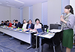 小山さんの講演を聞いた党合同会議=20日 衆院第2議員会館