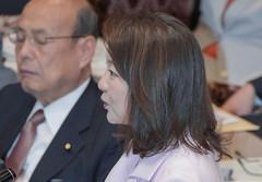質問する竹谷さん=13日 参院予算委