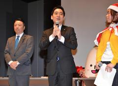 「若者が動けば政治は変わる」と訴える平木氏=18日 長野・松本市