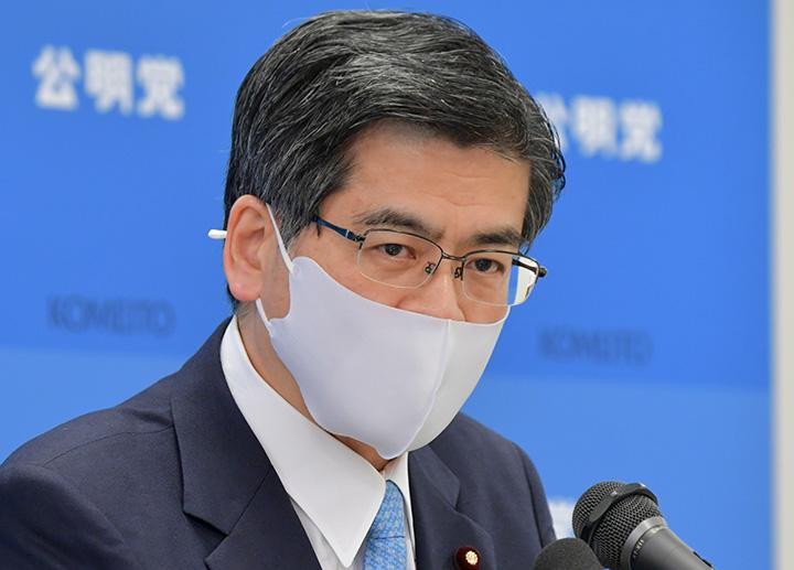 記者会見で見解を述べる石井幹事長=19日 衆院第2議員会館