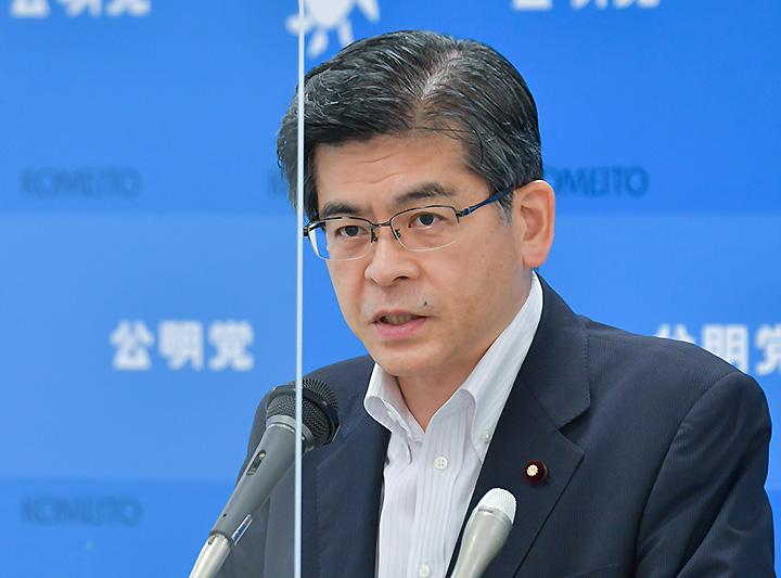 記者会見で見解を述べる石井幹事長=9日 衆院第2議員会館
