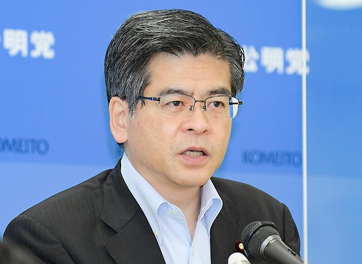 記者会見で見解を述べる石井幹事長=17日 衆院第2議員会館