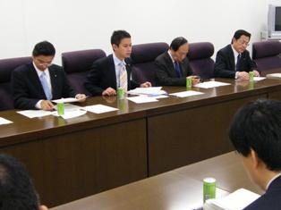 公明党原爆被爆者対策委員会で発言する谷合委員長(2009/11/17)